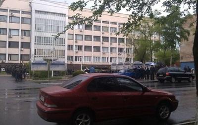 В центре Мариуполя обстреляли маршрутку – соцсети