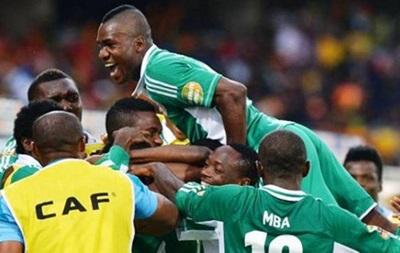 Тренер Нигерии объяснил решение не взять на ЧМ-2014 Брауна Идейе