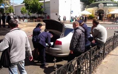 Возле Лавры задержали еще один автомобиль с огнестрельным оружием