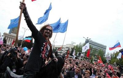 Джигурда проскакал на коне сквозь митинг в Донецке