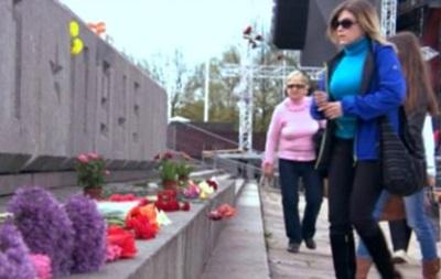9 мая в Риге: Русские празднуют, власти беспокоятся - репортаж BBC