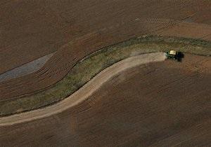 DW: Украина теряет плодородные почвы