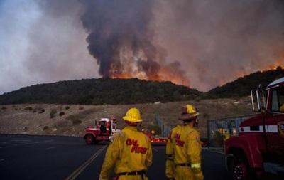 Тысячи жителей Калифорнии эвакуированы из-за лесных пожаров
