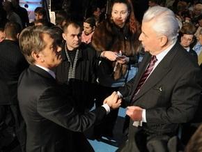 Ющенко заявил, что Кравчука  вынули из нафталина , чтобы  кинуть под танки