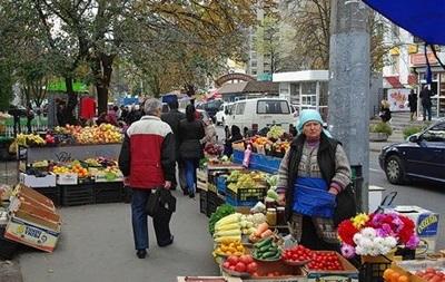 В Киеве решили ликвидировать стихийную торговлю у метро