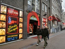 Амстердам потратит сотни миллионов на закрытие борделей и кофе-шопов
