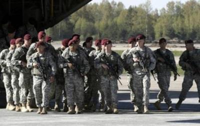 Солдаты НАТО угрожают правящей коалиции Латвии