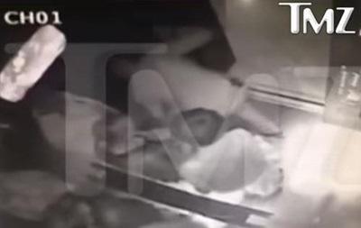 Beyonce и Jay-Z извинились за инцидент в лифте