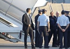 Самолет с Берлускони на борту совершил аварийную посадку