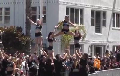 В Калифорнии прошел многотысячный гей-парад