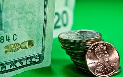 Торги на межбанке закрылись долларом по 12,05 грн
