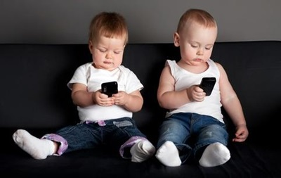 Мобильные телефоны могут вызывать аллергию у детей – ученые