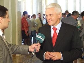 Литвин: Ющенко - весь в прошлом, Кабмин - в войне, а Украина - в кризисе