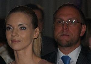Бывшая жена Власенко утверждает, что он в Киеве. Тимошенко это отрицает