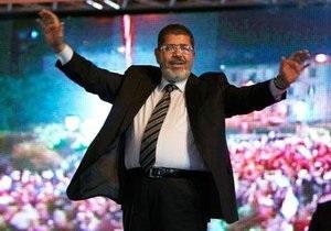 СМИ узнали, как Мубарак отнесся к избранию Мурси президентом Египта