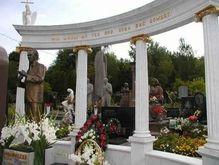 В Киеве продают могилы родственников на закрытых кладбищах