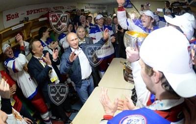 Фотогалерея: Как сборная России победу на чемпионате мира по хоккею праздновала