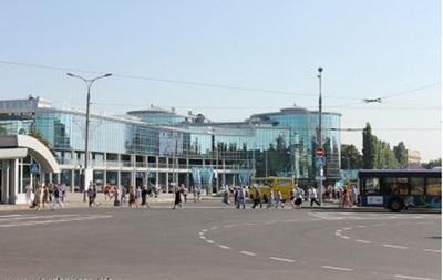 В центре Донецка слышны взрывы и выстрелы
