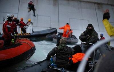 Гринпис заблокировал буровую платформу Газпрома в Нидерландах