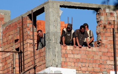 Корреспондент: Застройщики готовятся к очередному кризису