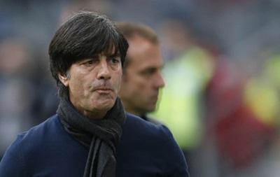 Тренера сборной Германии наказали за очень быструю езду