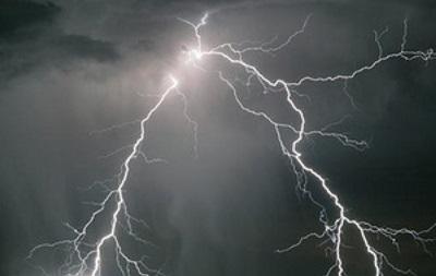 В Хмельницкой области из-за удара молнии загорелся купол УПЦ (МП)