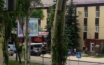 Жителей Донецка просят не выходить на улицы из-за стрельбы  в центре города