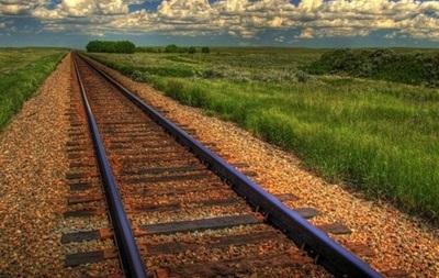 В Киевской области пустили под откос поезд