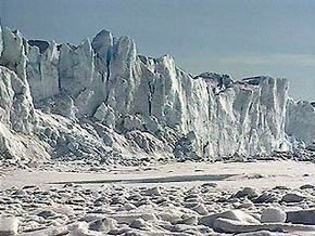 МЧС РФ планирует создать в Арктике аварийно-спасательные центры