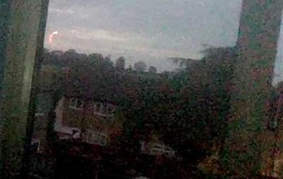 Школьница сняла на видео странный огненный шар в небе