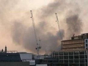 В лондонском Сити  более десяти часов продолжается тушение крупного пожара