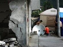 Землетрясение в Китае разрушило сто тысяч зданий
