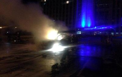 Очередное покушение? У здания Донецкой ОГА взорвали автомобиль Пушилина