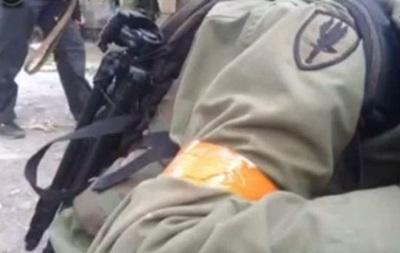 Бои в Мариуполе: на видео английская речь и эмблема армии США