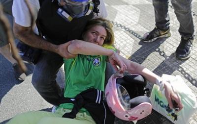 Перед матчем Испания – Голландия полиция задержала протестующих против ЧМ-2014