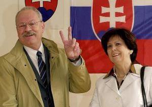Жителям Словакии предоставили право сократить количество депутатов на треть