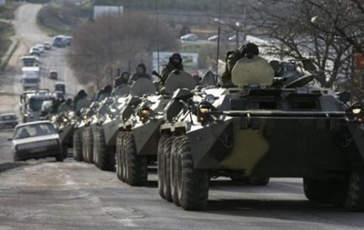 На автодороге Москва-Киев стоит колонна бронетехники - спикер СНБО