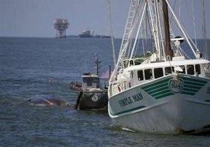 В Мексиканском заливе BP эвакуирует нефтяников с буровых платформ