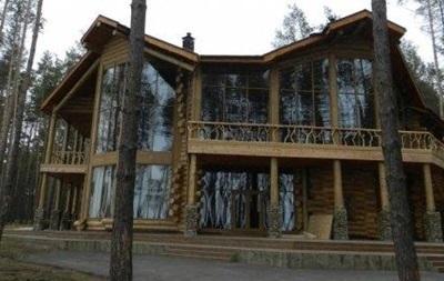 Обыск бывшей дачи Курченко: охрану связали и обокрали