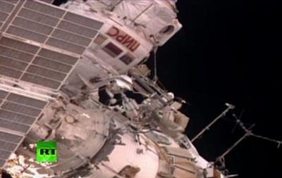Российские космонавты МКС выходят в открытый космос - онлайн-трансляция