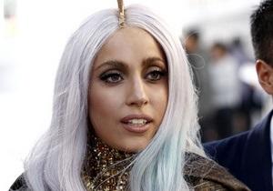 Lady GaGa станет крестной матерью сына Элтона Джона