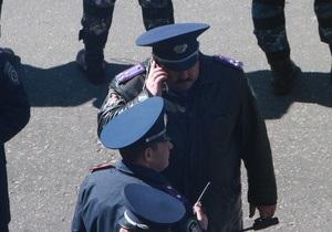 Милиция заявляет, что в мужчину в футболке Спасибо жителям Донбасса никто не стрелял