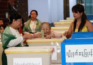 Оппозиция Бирмы впервые за много лет участвует в выборах