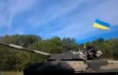 В направлении Луганска проехала колонна украинской бронетехники