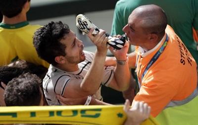 Фанаты подрались за бутсы Касильяса после матча Австралия – Испания