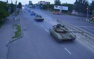Танки, замеченные в Луганске, принадлежат  ополченцам  – ЛНР