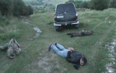На Тернопольщине люди в форме 12-й сотни Самообороны избили и ограбили милиционера