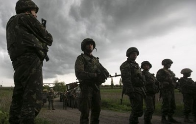 За сутки на востоке Украины погибли пятеро украинских военных - спикер АТО