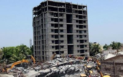 130 человек погребены под обломками дома в Индии
