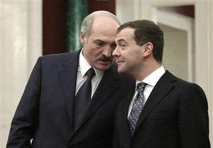 Лукашенко напомнил Медведеву, что за российские базы в Беларуси тоже надо платить